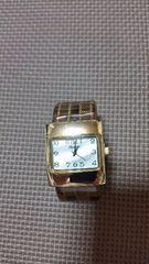 新品☆バングル型腕時計