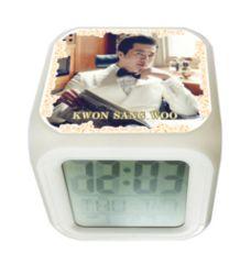クォン・サンウ韓国製カラーチェンジ アラーム 光デジタルキューブ置時計02/クォンサンウ