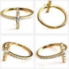 GEMCEREYの指輪