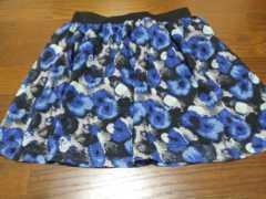 フラワー 柄 可愛いスカート 美品 チャオパニック 花柄