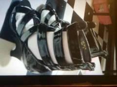 新品 ハイヒール パンプス エナメル ゴージャス ブラック 24.5�p