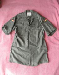 軍物夏用★ドイツ軍フィールドシャツ 37/38 M~L 深緑 1984