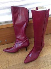 紅色の素敵な日本製ブーツ♪