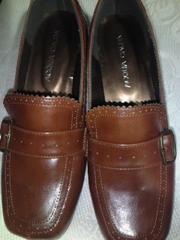 新品 茶色 幅広 ベルトの靴、