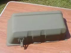 M151A1/A2ジープ  バッテリーカバー