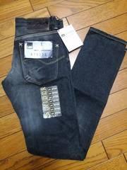 新品★『Lee』色合い綺麗な黒ジーパン=27=定価13650円