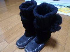 ムートン黒ブーツ