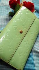 正規品極レアペパーミント人気の3つ折長財布