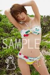 【送料無料】 AKB篠田麻里子 写真5枚セット<サイン入> 07