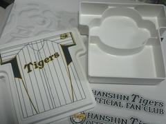 阪神タイガースユニフォーム型お弁当箱(小物入れに)