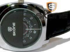 【新品・未使用】SKONE ワンライン 独特な個性派メンズ腕時計