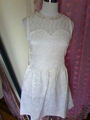 Tika胸元レース透け襟周りパール&ストーン上品お嬢ミニドレス新品