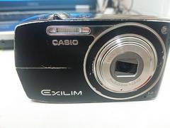 CASIOの1400満載のデジタルカメラ(訳あり)