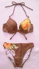 ピンキー&ダイアンロゴ&編み柄ハイビスカスフラワー花柄ホルターリボンワイヤービキニ水着