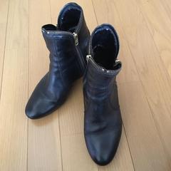 ショートブーツ イタリア製 黒皮革 ジッパー付き インヒール 36