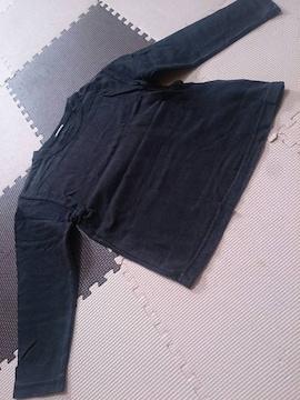 110 無地の黒のTシャツ