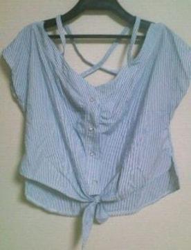 used美品「CECIL McBEE」背中クロス×キラ�Aビジューボタン前しばりシャツ