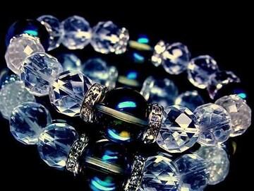 64面カット水晶§ブルーオーラ12ミリ銀ロンデル数珠