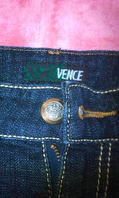 VENCE 濃い色スリムジーンズ サイズ24 新品に近い 激安 < ブランドの