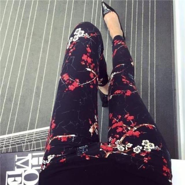 花柄 ウエストゴム デザインスキニーレギンス < 女性ファッションの