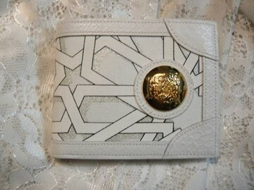 DRESS CAMPドレスキャンプ エンブレムドームブローチ折財布