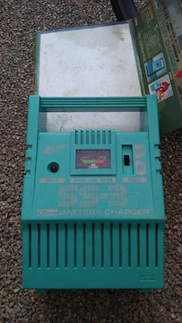セルスター バッテリー充電器 DASH BOY SS-3  箱汚いです 格安
