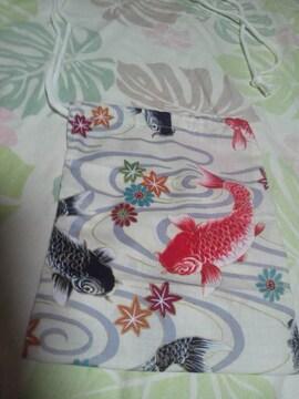 ☆新品生成×流水に黒赤鯉柄ナナメ掛巾着袋
