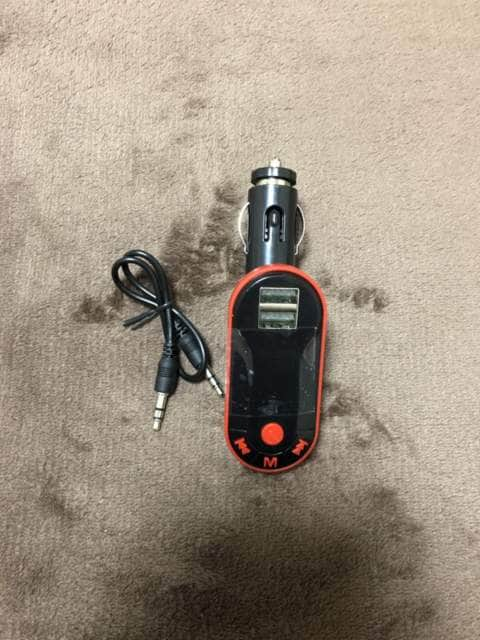 トランスミッター FM BlueTooth接続 USBポート2つ付き < 自動車/バイク