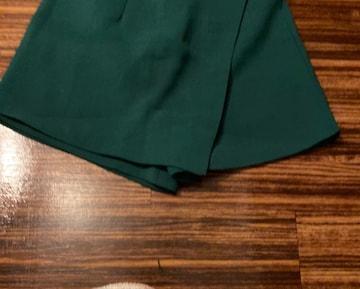 グリーン ショートパンツ