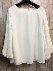 新品☆LLサイズ袖プリーツの素敵ブラウス♪よそいき白☆n229