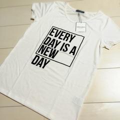 CECILDAYS 新品 ロゴTシャツ