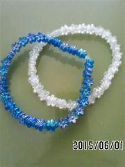 クリア&ブルー・フラワービーズブレスレット2本セット
