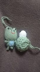手編みのあみぐるみ、カエル、カメストラップ