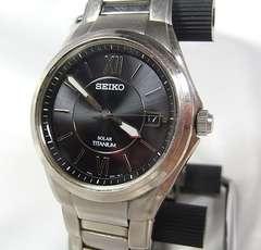 本物確実正規美品セイコーソーラー腕時計 V145-0CA0チタニウム