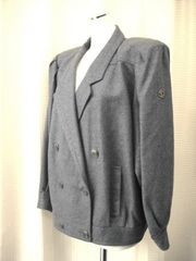 【レリアン】グレーのジャケットコートです
