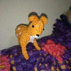 手編みのあみぐるみ、バンビ