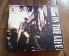 B'zビーズ IN THE LIFE インザライフ初回限定盤