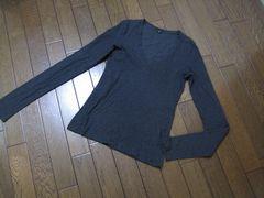 ○theory○セオリーVネックTシャツ Stay 2 チャコールグレー
