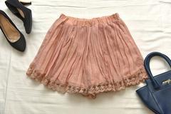 美品 裾刺繍レース プリーツシフォンキュロット ショーパン●