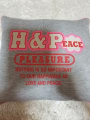 H&PEACE クッション