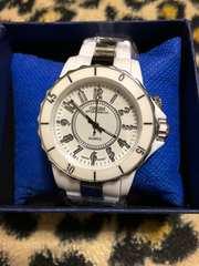 シャネル好きに ホワイト&シルバー コンビ腕時計