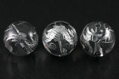 天然水晶☆銀色五爪龍の手彫ビーズ12mm1個☆
