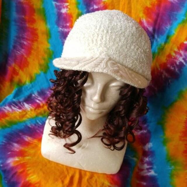 モフモフッ♪カワイィー(*σ>∀<)σつば付きニット帽子 < 女性ファッションの