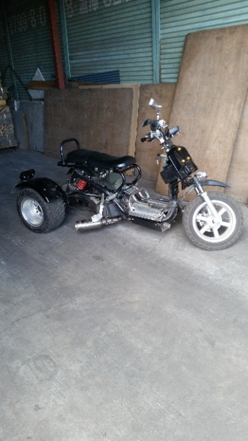 三輪バイク