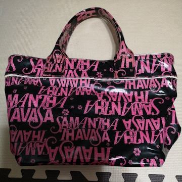 Samantha Thavasaの鞄