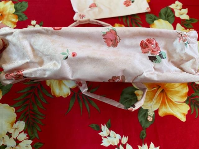 レストローズ☆bag in bag☆可愛いピンクバラ柄☆ポーチ付 < ブランドの