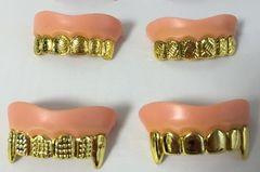 ジョークグッズ出っ歯入れ歯 3種セット金歯 変装グッズ