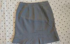 新品 スーツ3点セットのスカートのみ グレー ウエスト67
