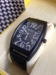 新品★一味違ったメンズ腕時計♪トノウ型★Sorriso