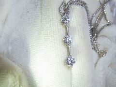 K18WG・デビアス・TRILOGYダイヤモンドネックレス・0.50ct